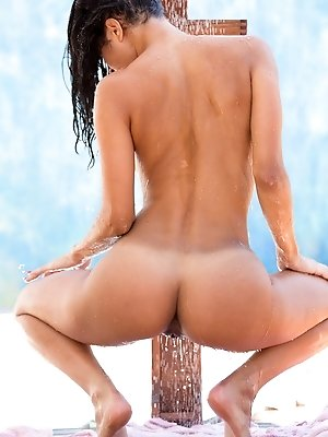 Abby Lee Brazil takes a hot outdoor shower pics ~ SexyNakedModels.com