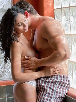 Ariana Marie likes her men tall and physically overwhelming. She gets turned on by guys who are large and in charge, big enough to wrap their arms aro pics ~ SexyNakedModels.com
